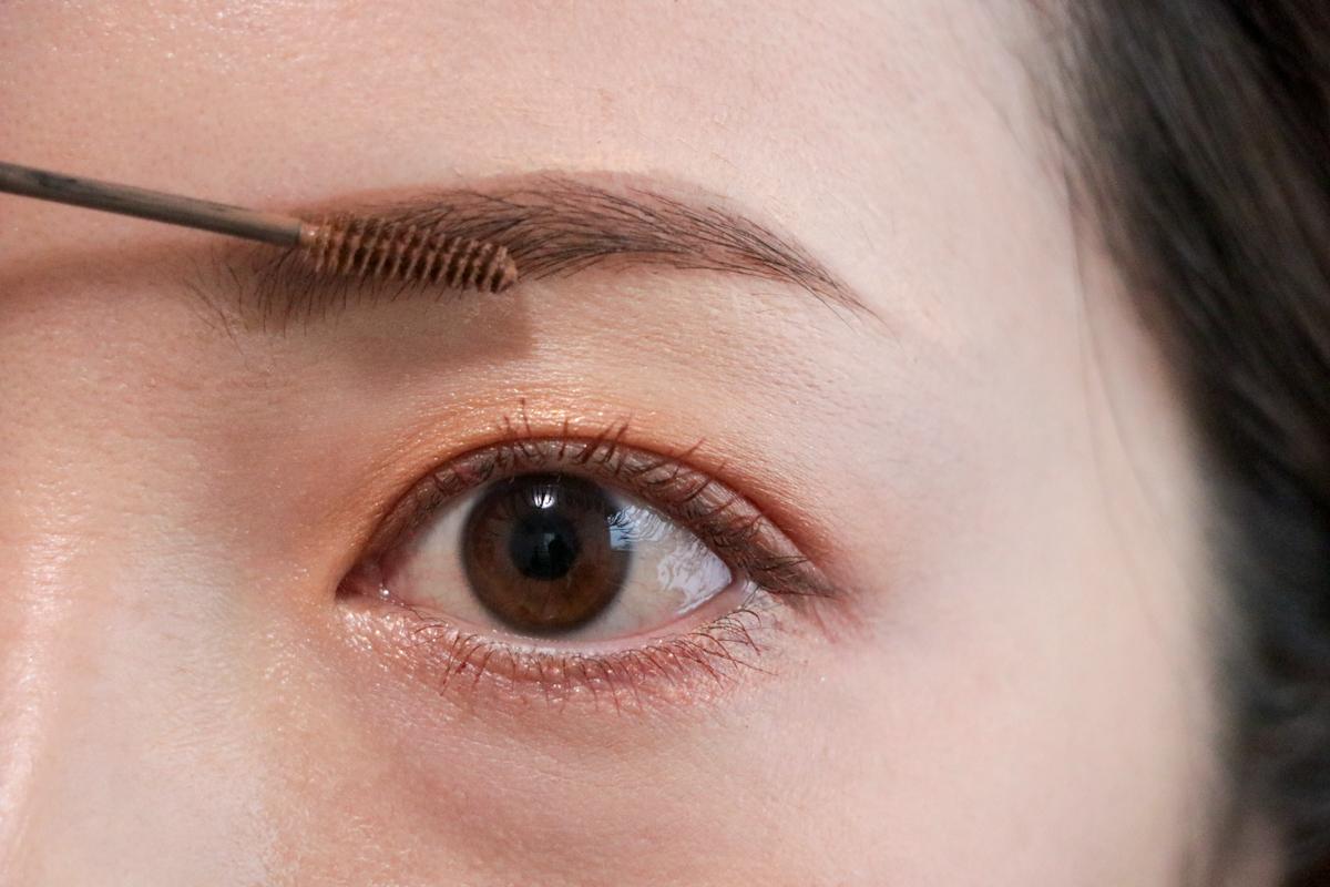 毛流れを整える。