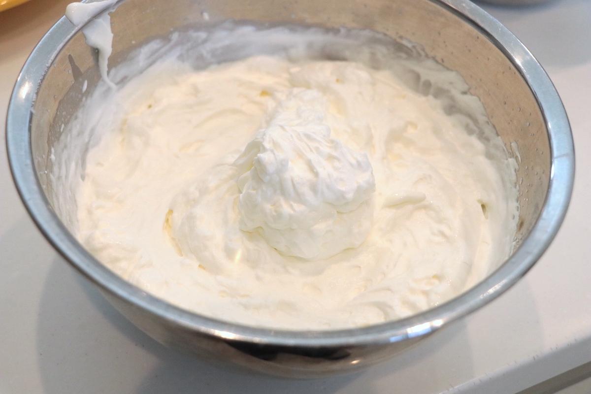 ヨーグルトクリームの完成です